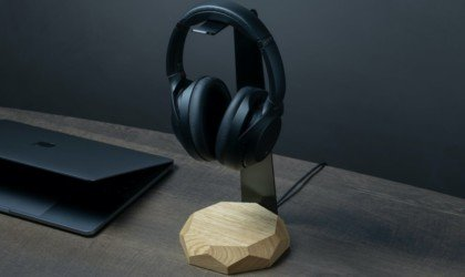 Oakywood Laptop Dock Vertical Wooden Stand