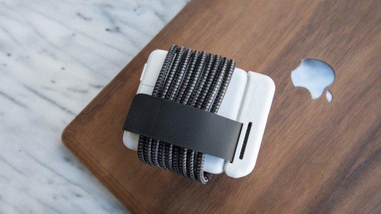 ElevationLab ElevationHub MacBook power adapter