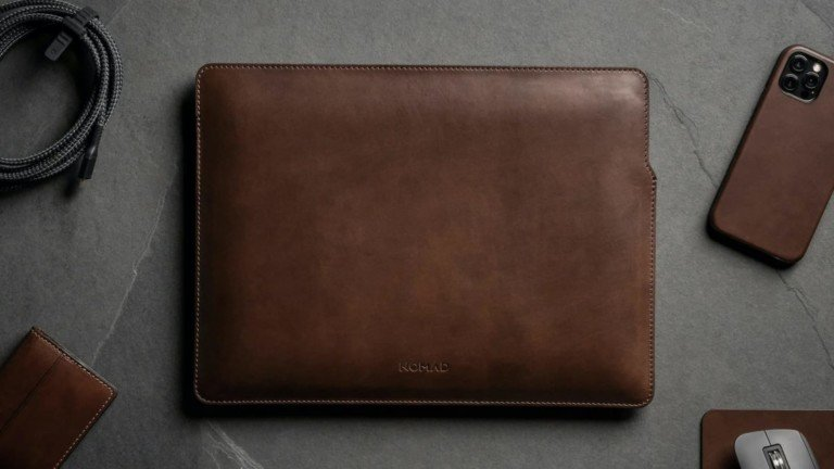 Nomad Leather Sleeve MacBook Pro cover