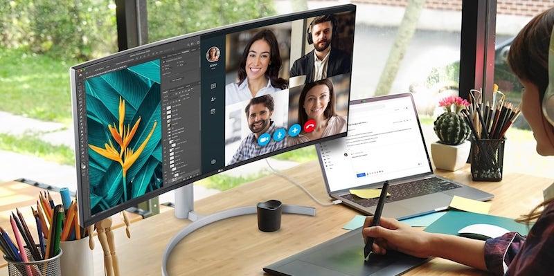 LG UltraWide 38WN95C multitasking monitor