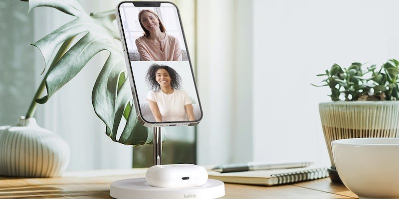 Belkin BOOST CHARGE PRO 2 in 1 Wireless Charger Stand