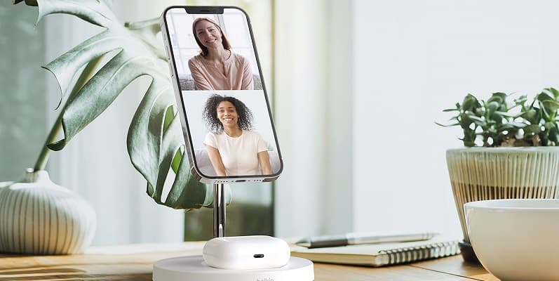 Belkin BOOST Up CHARGE PRO 2-in-1 Wireless Charger Stand