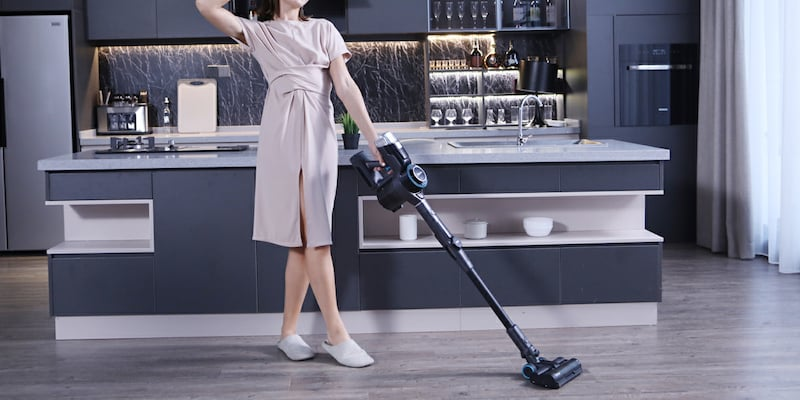 The Redkey F10 handheld cordless vacuum folds for cleaning that's easier on your backRedkey F10 foldable vacuum cleaner